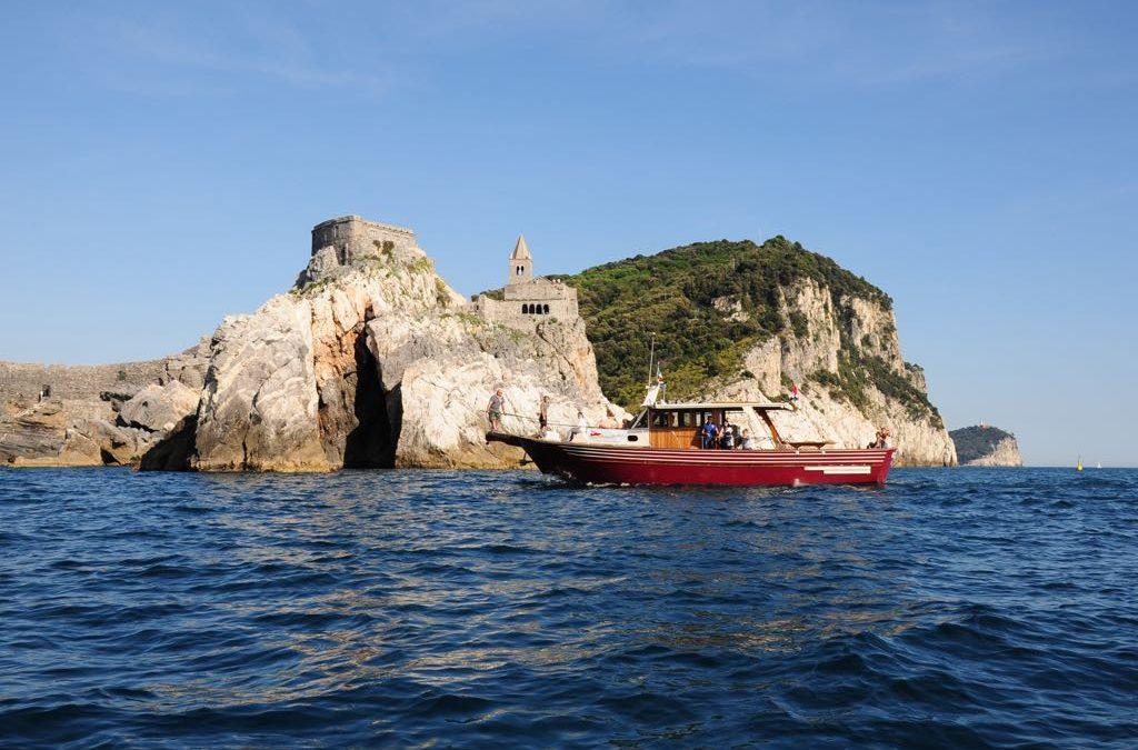 Escursione in barca del Promontorio del Caprione, tra Bocca di Magra e Lerici