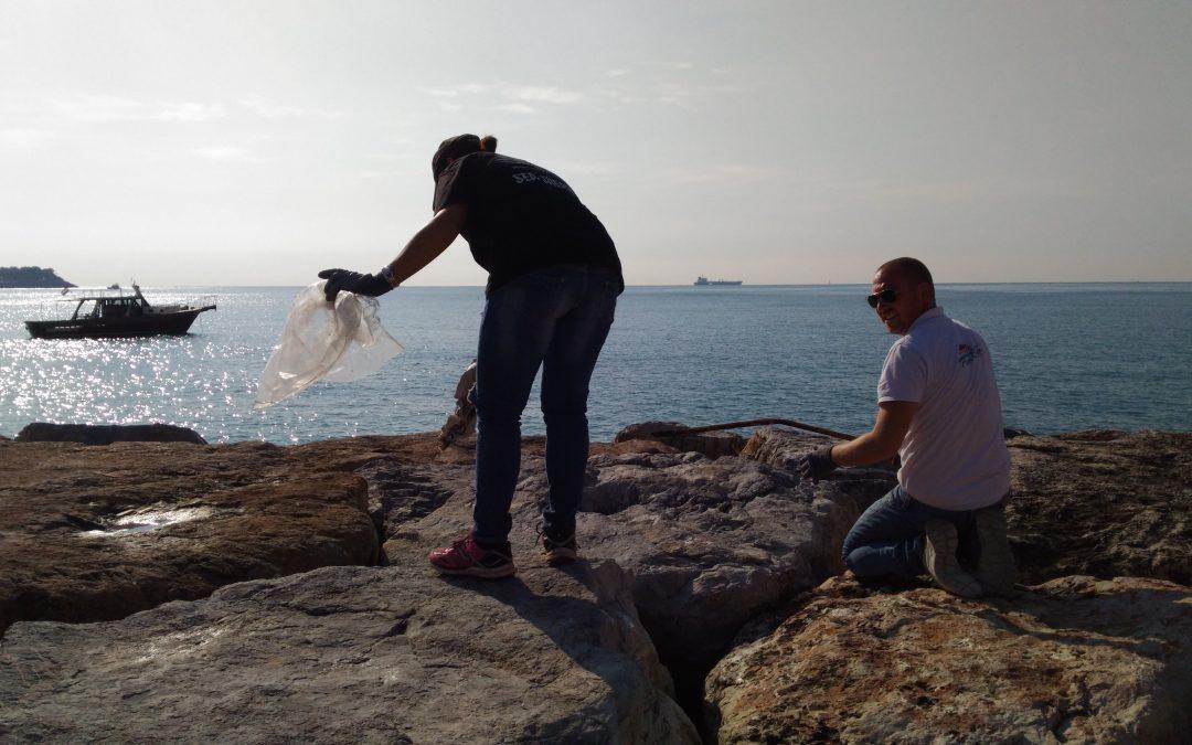 Pulizia fondali a San Terenzo con Sea Shepherd